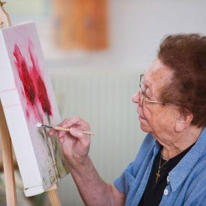 Atelier peinture maison de retraite à Nice Les jardins de Sainte-marguerite