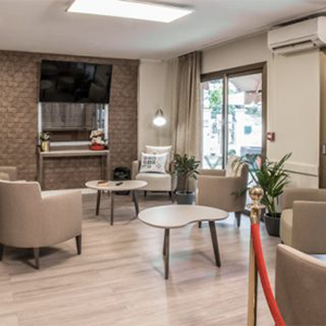 salle-de-vie-residence-retraite-les-jardins-sainte-marguerite-medifar